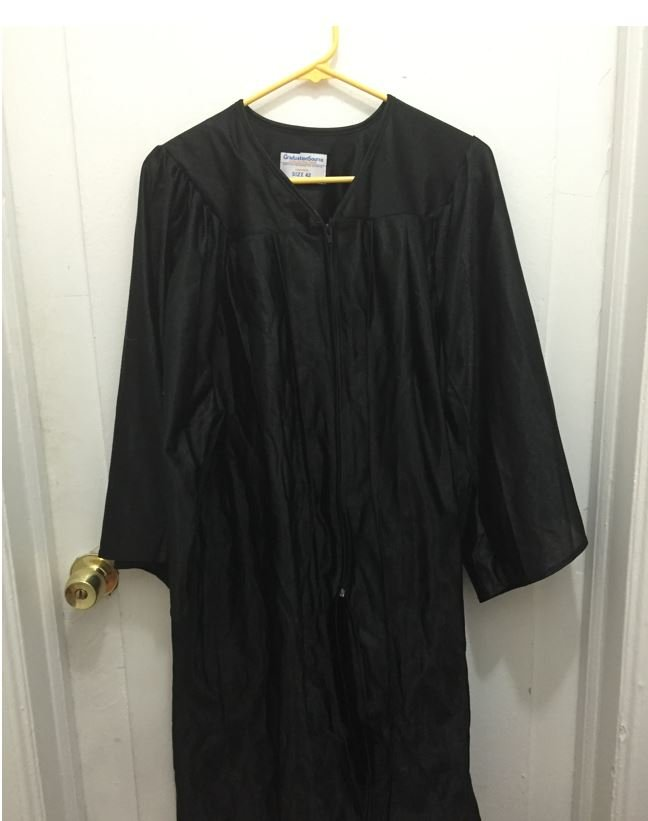 Graduation Gown Wrinkle Removal 9