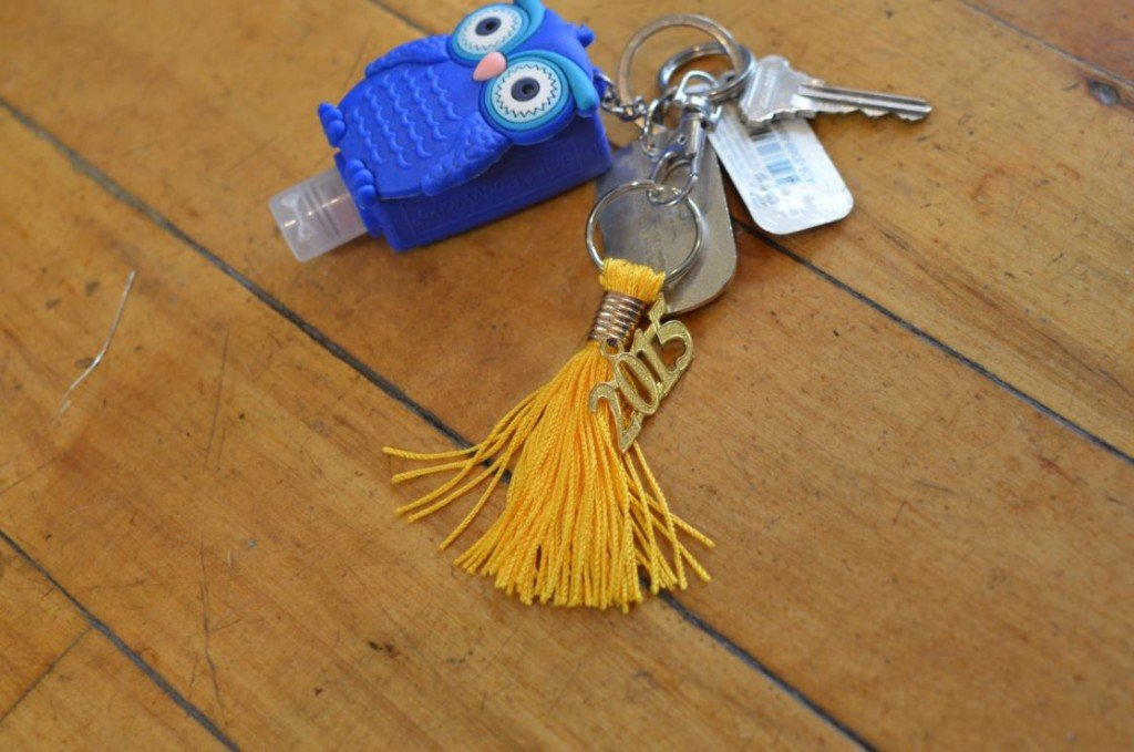 4 Steps to Make Your Own Tassel Keychain