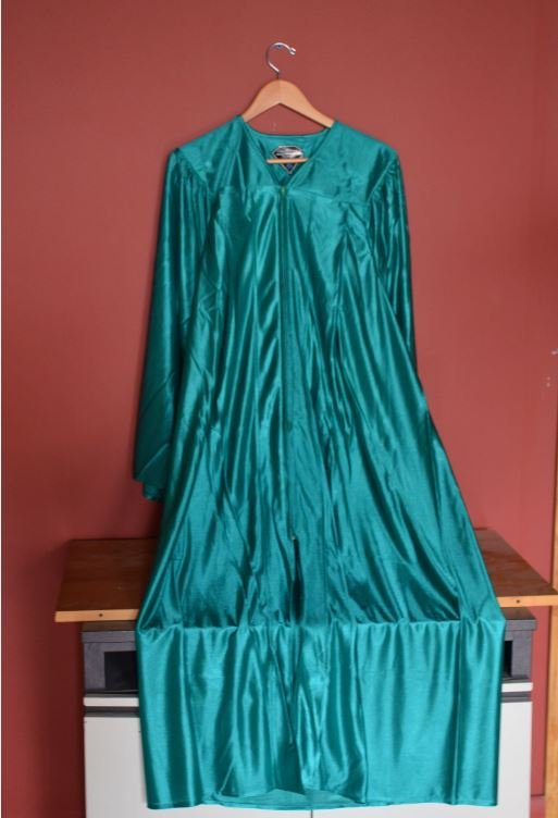How to Wear Your Graduation Gown -