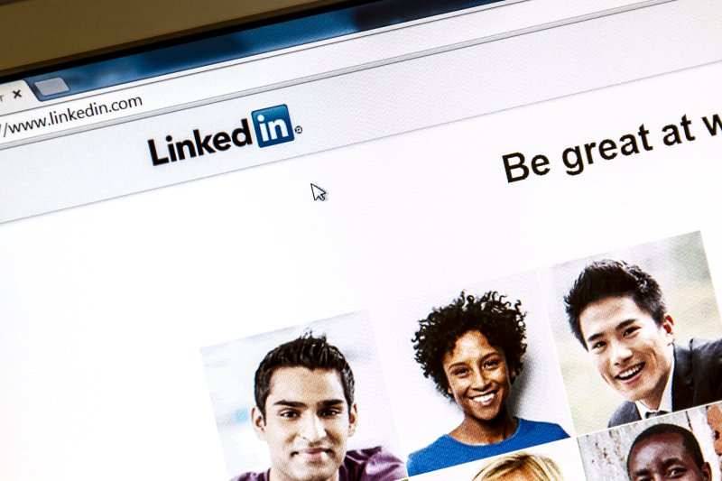 LinkedIn-Tips-for-Recent-College-Grads-2