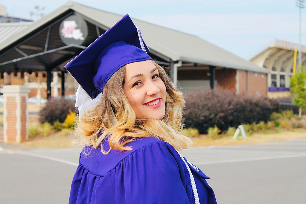 5 Tips to Ease the Stress of High School Graduation Day